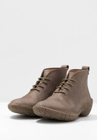 El Naturalista - WARAO - Ankle boots - pleasant plume - 4