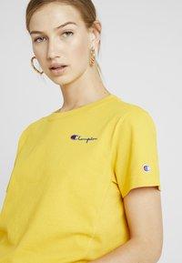 Champion Reverse Weave - SMAL SCRIPT CREWNECK  - Print T-shirt - old - 4
