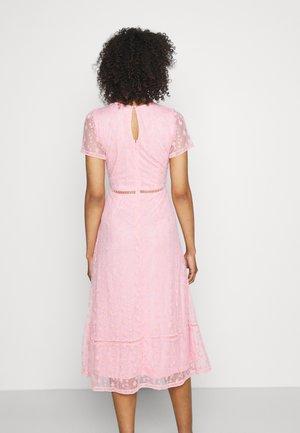 EMILY MIDI - Sukienka koktajlowa - pink