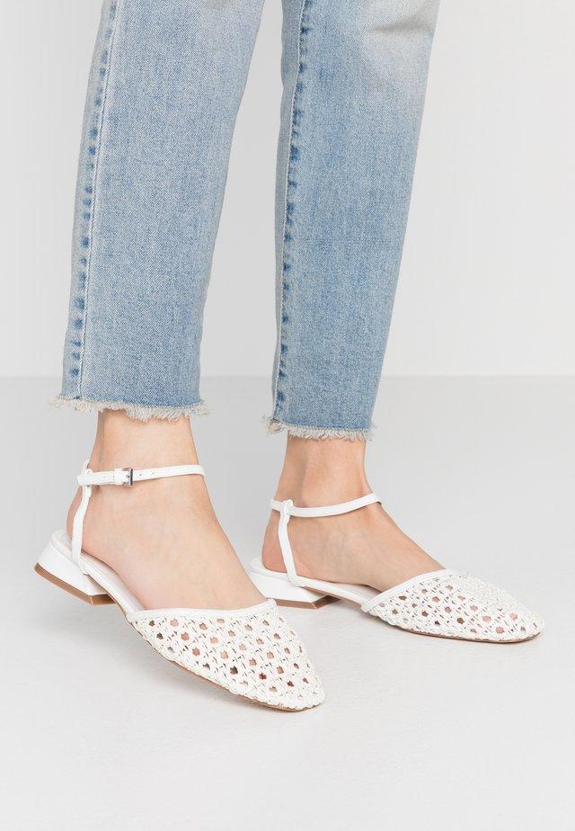 ALICIA ANKLE TIE - Sandals - white