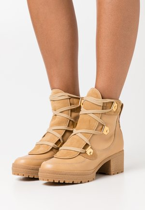 Ankle boots - sabbia