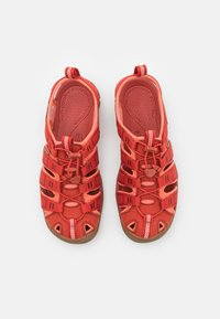 Keen - CLEARWATER CNX - Chodecké sandály - dark red/coral - 3