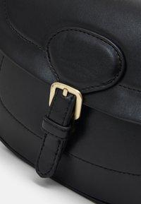 PARFOIS - CROSSBODY BAG - Across body bag - black - 3