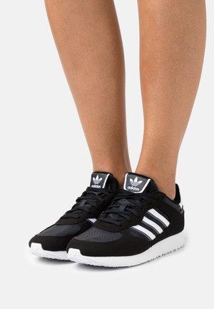 SPECIAL 21 W - Sneakers basse - core black/footwear white
