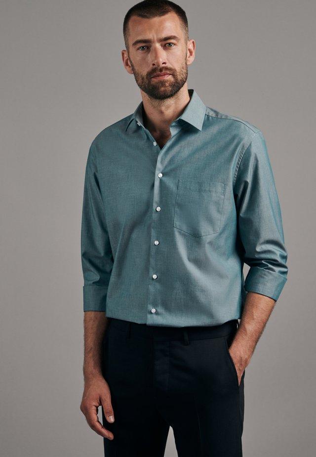 REGULAR FIT - Koszula biznesowa - grün