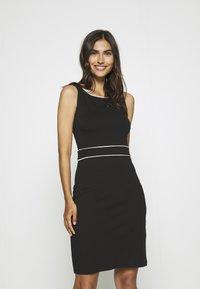 Anna Field - Pouzdrové šaty - black/white - 0