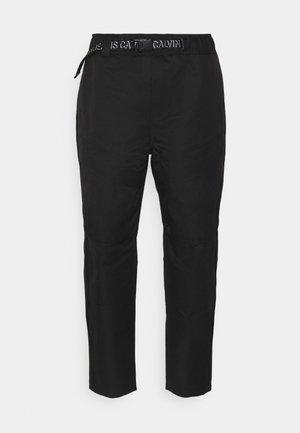 SEASONAL PANT - Cargo trousers - black