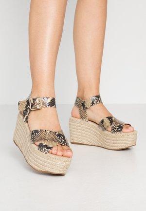 Sandalias de tacón - brown