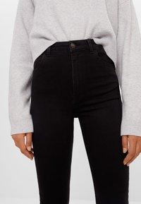 Bershka - MIT SEHR HOHEM BUND  - Jeans Skinny Fit - black - 3