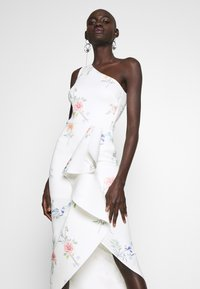 True Violet Tall - ONE SHOULDER FRILL SPLIT MIDAXI DRESS - Sukienka koktajlowa - white