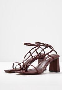 Topshop - NICO HEEL - Sandalias de dedo - burgundy - 4