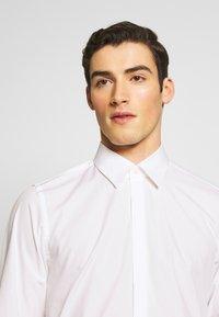 Strellson - SILAN-UMA SLIM FIT - Formal shirt - white - 3