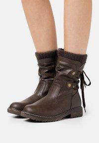 Anna Field - Botas con cordones - dark brown - 0