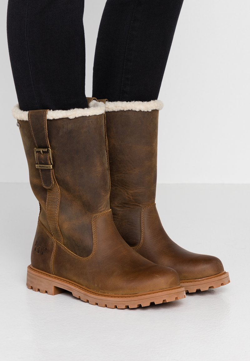 Barbour - CHOPWELL BOOT - Winter boots - umber