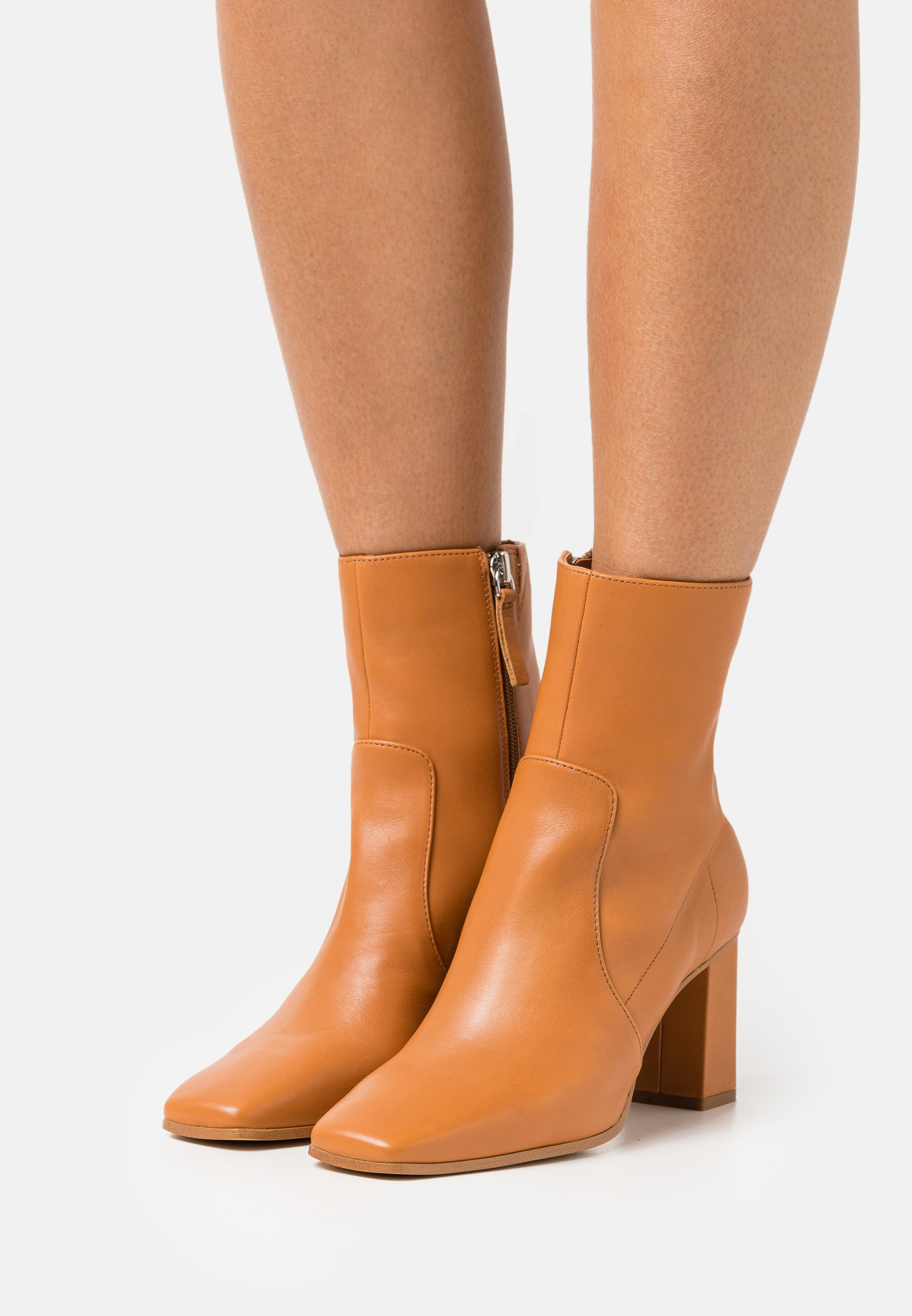 Women THELIVEN - Classic ankle boots