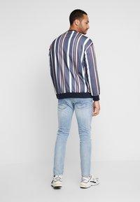 Diesel - D-BAZER - Slim fit jeans - 0095v01 - 2
