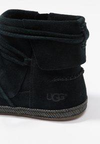 UGG - REID - Boots à talons - black - 2