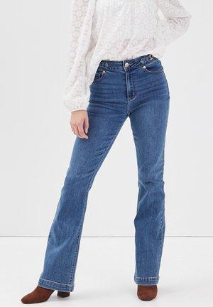 MIT VERZIERUNGEN - Bootcut jeans - denim brut