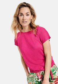 Gerry Weber - MIT KNOTENDDETAIL - Print T-shirt - rasberry - 0