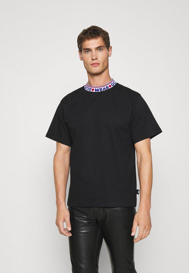 TAPE LOGO TEE UNISEX - T-shirt imprimé - black