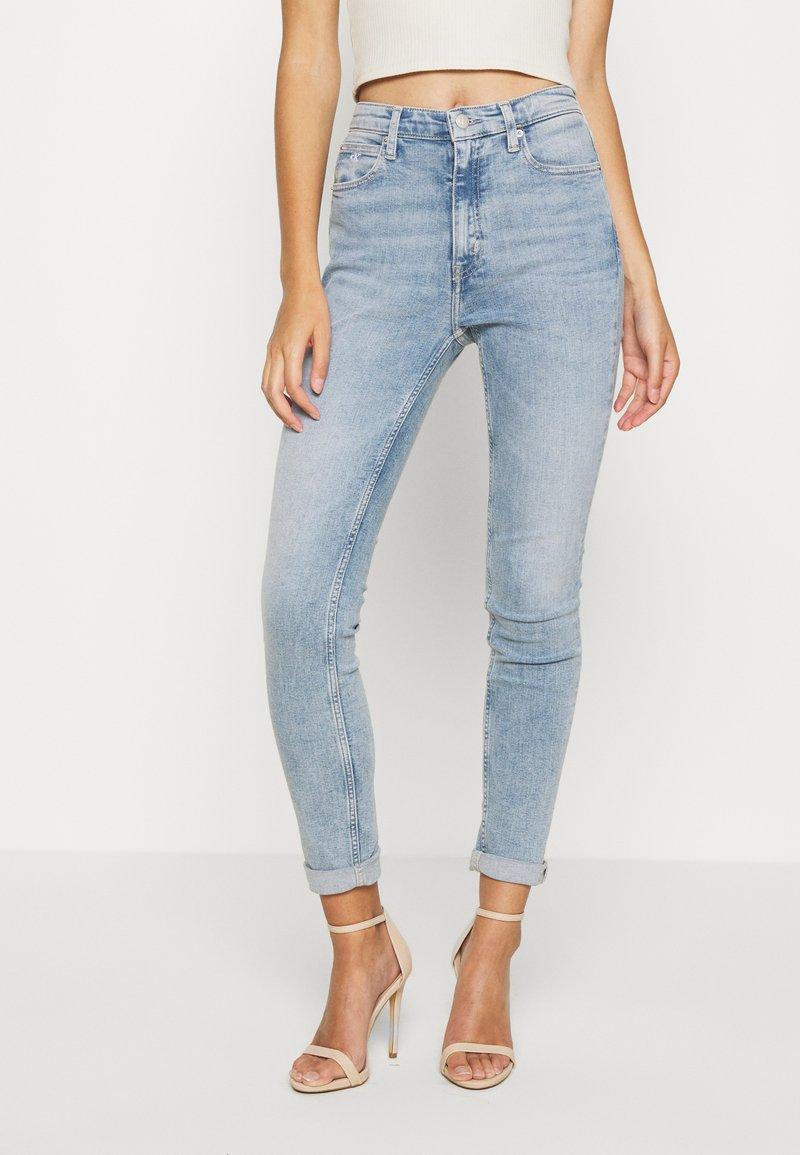 Calvin Klein Jeans - HIGH RISE SKINNY - Jeans Skinny - light blue