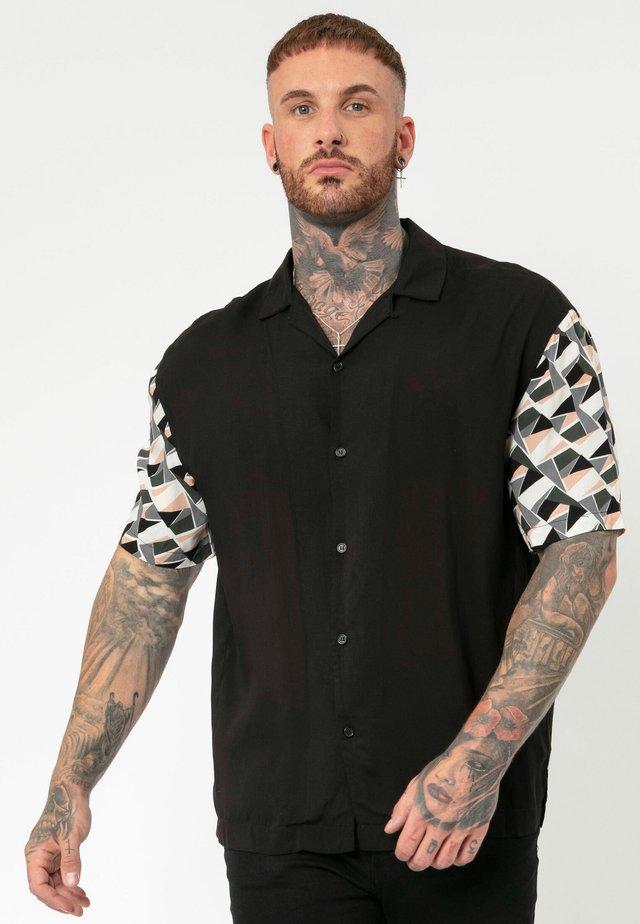 RETREAT  - Overhemd - black/grey/pink