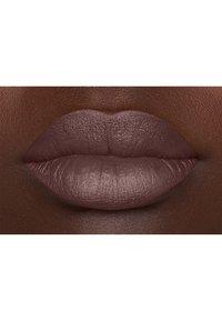 Nyx Professional Makeup - SUEDE MATTE LIPSTICK - Lipstick - 14 lavender and lace - 2