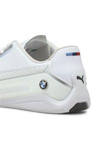 Puma - PUMA BMW M MOTORSPORT DRIFT CAT 8 RUNNING SHOES MALE - Trainers - puma white-puma white - 6