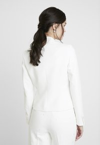 IVY & OAK BRIDAL - SPENCER BRIDAL JACKET - Blazer - snow white - 2