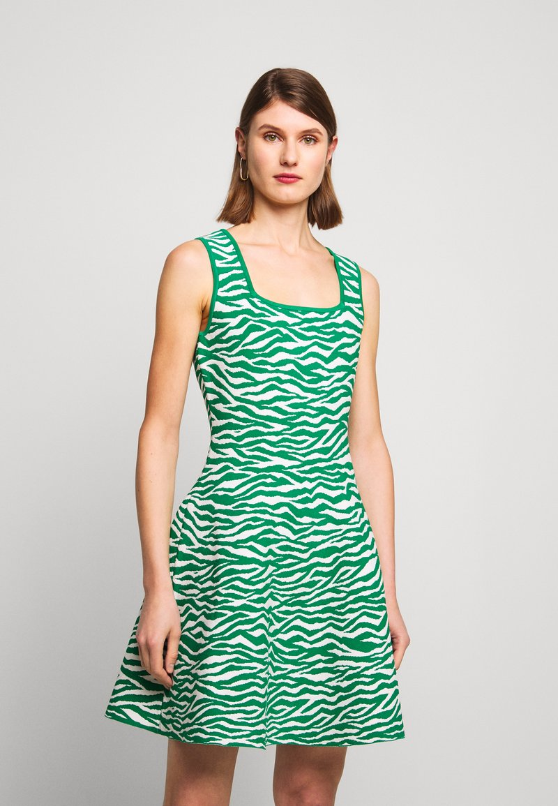 Milly - ABSTRACT ZEBRA FIT - Jumper dress - leaf/white