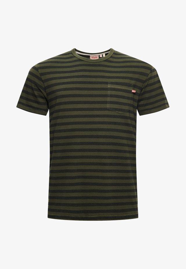 OFF PISTE BOX - T-shirt print - drab overall green