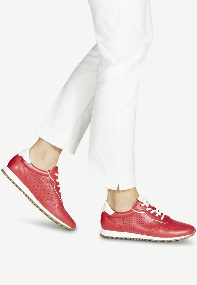 Sneakers laag - red/white