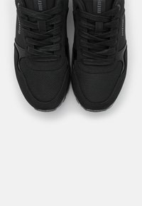 mtng - CORE - Trainers - black - 5