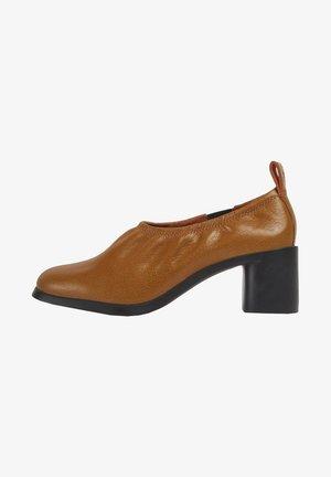 MEDA - Classic heels - dunkelorange