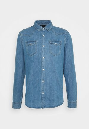 CLASSIC WESTERN IN SEASONAL WASHES - Vapaa-ajan kauluspaita - light-blue denim