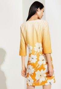 comma - Day dress - yellow - 2