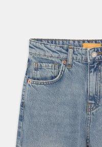 Gina Tricot Mini - Jeans Straight Leg - blue slit - 2