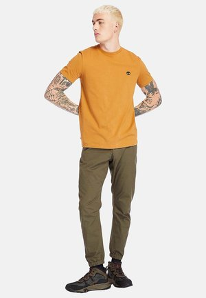 Basic T-shirt - wheat boot