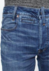 G-Star - D-STAQ 5-PKT SLIM - Slim fit jeans - elto superstretch - 3