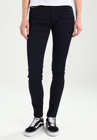 Tommy Jeans - MID RISE SKINNY NORA - Jeans Skinny Fit - boogie blue - 0