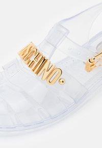 MOSCHINO - Sandals - trasparente - 6