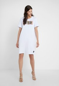 Versace Jeans Couture - Day dress - bianco ottico - 0