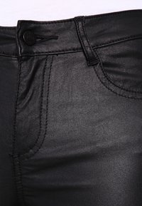 Vila - VICOMMIT COATED NEW PANT - Jeans Skinny Fit - black - 3