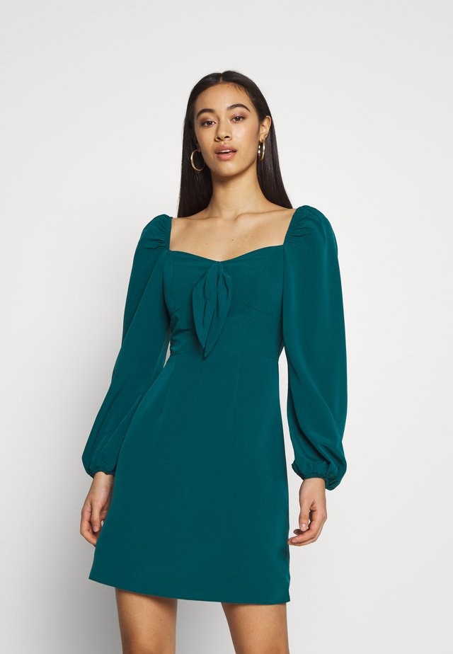 CARE BARDOT DRESS - Sukienka letnia - green