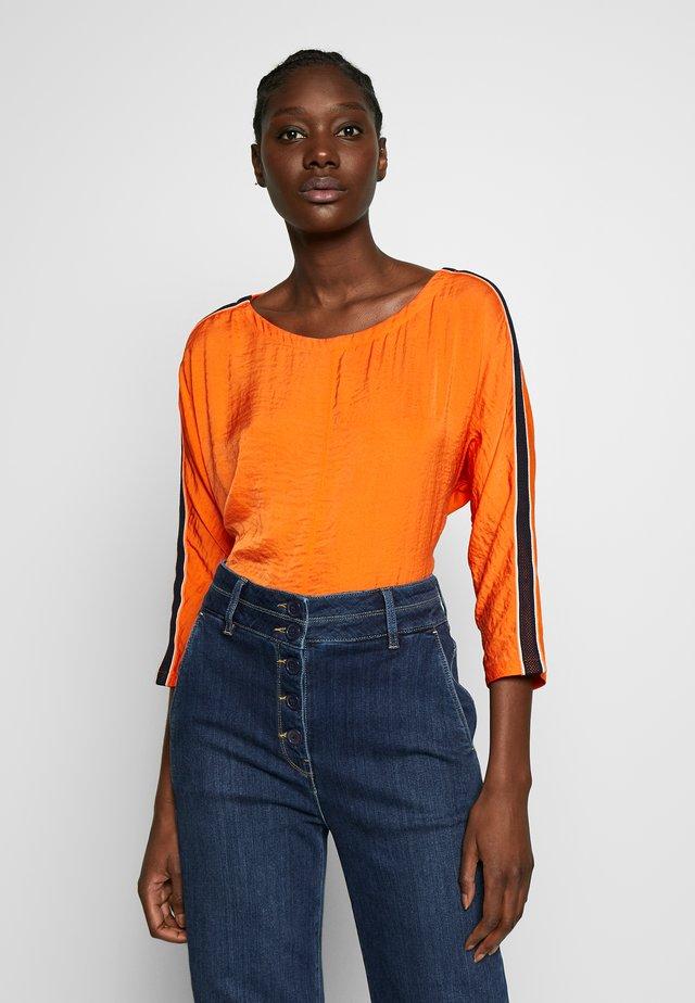 Blus - marigold