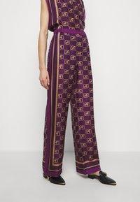 Alberta Ferretti - TROUSERS - Trousers - fantasy violet - 0
