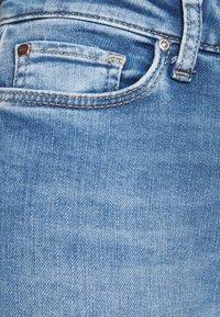 ONLY - ONLCARMEN LIFE SKINNY - Jeans Skinny Fit - light blue - 4