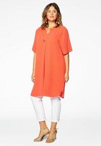 Yoek - MIT BAND-DETAIL - Day dress - orange - 1