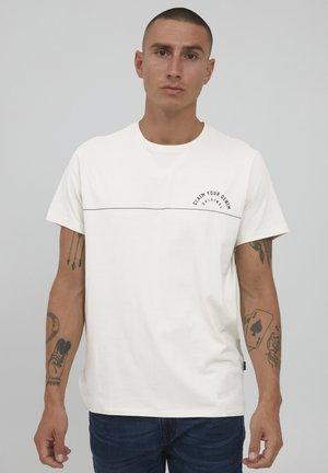 T-shirt con stampa - egret
