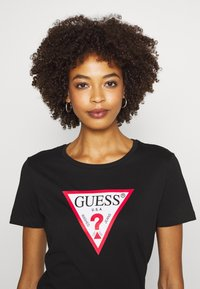 Guess - T-shirt con stampa - jet black - 3